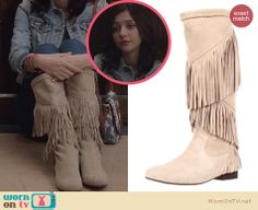 Maggie's cream fringed boots on The Carrie Diaries. Outfit Details: http://wornontv.net/23922 #TheCarrieDiaries