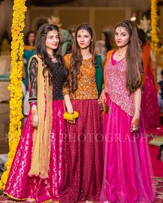 For Eraj s sharara. Mehendi Outfits, Pakistani Wedding Outfits, Pakistani Dresses, Indian Dresses, Indian Outfits, Wedding Dresses For Girls, Party Wear Dresses, Girls Dresses, Stylish Dress Designs