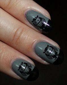 Look @Emily Schoenfeld Schoenfeld Kathleen Owl Nails!