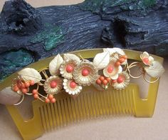 Vintage Japanese geisha hair comb, kanzashi gold Japanese Geisha, Vintage Japanese, Hair Jewelry, Jewelry Art, Asian Hair Ornaments, Geisha Hair, Japanese Costume, Halo Hair, Kings Day
