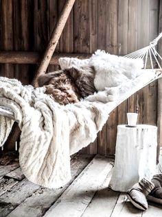 Astuces et conseils pour terminer la saison en douceur et chaleur  http://www.shetalksabout.com/dossier-hivernal-guide-de-survie-grand-froid/ #hiver #blog #lifestyle #cocooning #detente #froid #winter
