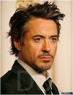 <3 It's almost like looking into the sun... It's beautiful, but I can't look for too long!! <3 *dork**swoon* Robert Downey Jr.