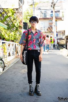 18-year-old Ko-ki on the street in Harajuku wearing a vintage floral shirt with skinny jeans, Dr. Martens boots, and a Supreme tote bag. Full Look