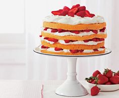 Berries 'n' Cream Cake #valentinesday #desserts