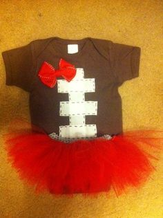Football Baby Onesie and Tutu - so cute! Why should boys get to wear all the cute football stuff? Green and white tutu Little Mac, Little Babies, Little Ones, Cute Babies, Little Girls, Funny Babies, My Baby Girl, Our Baby, Baby Baby