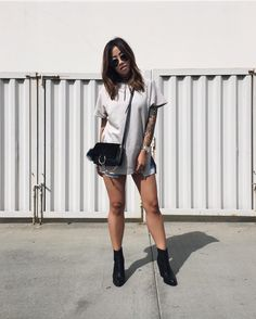 Instagram | oversized T-Shirt  | Claire Marshall {heyclaire.com}