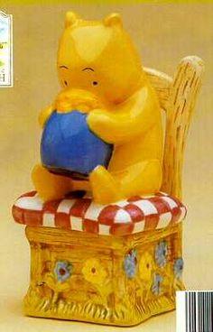 Disney Winnie The Pooh Bear Rare - Salt & Pepper