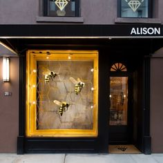"""ALISON LOU, Jewellery Store, (Made in New York), """"When you go in search of honey... you must expect to be stung by bees"""", photo by Vitrinismo, pinned by Ton van der Veer"""
