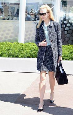 Nicole Kidman looking chic with her Giorgio #Armani bag in hand.