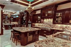 Find real estate listings in Southwest Ranches, FL, Browse homes for sale in Southwest Ranches, FL and save or compare the properties you like. Rustic Kitchen Design, Luxury Kitchen Design, Best Kitchen Designs, Dream Home Design, Luxury Kitchens, House Design, Dream Kitchens, Country Kitchen Cabinets, Kitchen Cabinet Styles