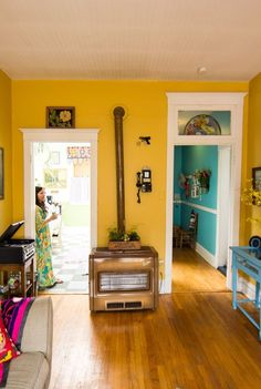 9 Successful Clever Tips: Modern Vintage Home Decor Budget vintage home decor living room apartment therapy.Vintage Home Decor Living Room House Tours vintage home decor romantic pink roses.Rustic Vintage Home Decor Farmhouse. Yellow Walls Living Room, Yellow Hallway, Yellow Wall Decor, Bedroom Yellow, Blue Walls, Bright Hallway, Yellow Kitchen Walls, Yellow Dining Room, Color Walls