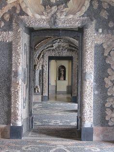 Palazzo Borromeo Grottos (entirely made decorated with sea shell). Isola Bella, Lake Maggiore, Italy