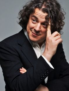 Alan Davies is the dictionary definition of adorable. I love Stephen Fry but he is the reason to watch QI. Tall, Dark and British British Humor, British Comedy, British Actors, The Comedian, Comedy Actors, Actors & Actresses, Jonathan Creek, Beautiful Men, Beautiful People
