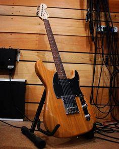 Ah, Breed One, our first double-cuttie. Check more historical Kononykheen models at www.kononykheen.com - link in our bio  #guitar #electricguitar #shredguitar #rareguitar #guitarra #uniqueguitar #mapleneck #guitarphotography #guitarphoto #guitarporn #kononykheen
