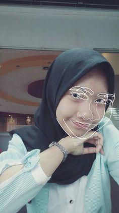Line art. Hijab girl.