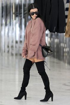☆~Ella birak~☆ Kourtney Kardashian Wears Yeezy Season 1 With Stuart Weitzman Highland Boots Street Style Outfits, Fall Outfits, Cute Outfits, Pastel Outfit, Look Fashion, Fashion Outfits, Womens Fashion, Sexy Fall Fashion, Net Fashion