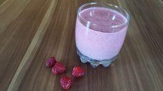 Smoothie de zmeura Glass Of Milk, Drinks, Food, Drinking, Beverages, Essen, Drink, Meals, Yemek