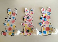 Ink pads: the polka dot rabbit - Les Pious de Chatou (Maternal Assistant . Easter Projects, Easter Art, Easter Crafts For Kids, Toddler Crafts, Preschool Crafts, Easter Bunny, Diy For Kids, Bunny Crafts, Easter Activities