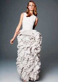 i absolutely LOVE this dress!  ...now if i only had a place to go to wear it!  ;)  H&M - Exclusive Conscious Collection.