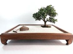 Best Ideas Garden Zen Miniature Bonsai Trees The Effective Pictures We Offer You About Zen Garden rocks A quality picture can tell you many things. Miniature Zen Garden, Mini Zen Garden, Miniature Trees, Japenese Garden, Indoor Zen Garden, Zen Rock Garden, Dry Garden, Miniature Gardens, Amazing Gardens