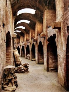 Camino del Gladiador, Roma / Path of the Gladiator - Rome Architecture Classique, Architecture Antique, Roman Architecture, Architecture Design, Ancient Ruins, Ancient Rome, Ancient History, Rome History, Places To Travel