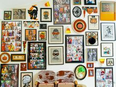 Make Gallery Wall Full of Halloween Artwork http://www.diynetwork.com/how-to/make-and-decorate/entertaining/how-to-create-a-fun-halloween-gallery-wall-pictures >>