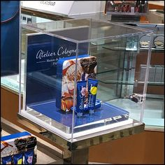 Atelier Cologne Museum Case Stand