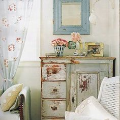 Love shabby chic and soft feminine decor