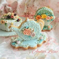 (^o^) C is for Cookie (^o^) ~ Atelier Lilac ~ teapot Mother's Day Cookies, Fancy Cookies, Iced Cookies, Cute Cookies, Easter Cookies, Royal Icing Cookies, Cookie Frosting, Cookies Et Biscuits, Cupcake Cookies