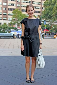 black box dress with pumps