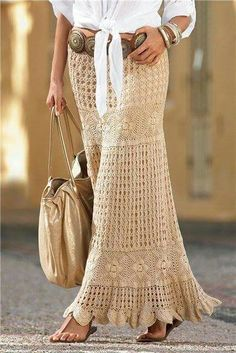 ❤  ❤  This skirt is simply beautiful!  --   http://www.crochet-pattern-shop.com/2016/05/check-skirt-latest-trends.html