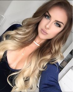 6 Delicate Two Tone Hair Color Ideas for Brunettes for 2019 : Have a look! In case you get a few inf Bayalage, Hair Color Balayage, Ombre Hair, Brown Blonde Hair, Pretty Hairstyles, Style Hairstyle, Gorgeous Hair, Dyed Hair, Hair Inspiration