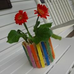 Mother's Day Craft: Clothes Pin Flower Pot