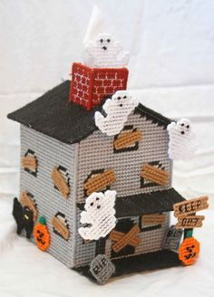 Plastic Canvas Tissue Holder Crayon   Plastic Canvas-Haunted House Tissue Topper Plastic-Canvas-Kits.Com