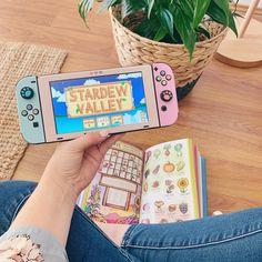 Nintendo Ds, Nintendo Decor, Nintendo Switch Games, Video Game Memes, Video Game Art, Animal Crossing, Nintendo Switch Accessories, Virtual Games, Gaming Room Setup