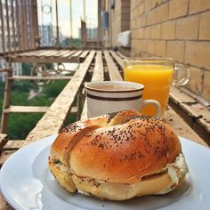 A morning bagel moment in NYC. Photo courtesy of sadiesomethin on Instagram.
