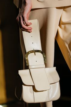 Stella McCartney Spring 2015 Ready-to-Wear - Collection - Gallery - Look Stella Mccartney, My Bags, Purses And Bags, Fashion Bags, Fashion Backpack, Dior, Minimalist Bag, Branded Bags, Spring 2015
