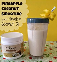 Pineapple Coconut Smoothie with Paradise Coconut Oil #theravita #coconut #coconutoil #coconutpineapple #Healthy #pineapple #Recipe #smoothie
