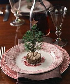 Place setting....very simple but very beautiful!