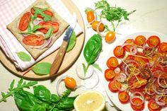 Bei cookies tomatete es sehr mit Caprese-Pizza und Tomatensalat. *