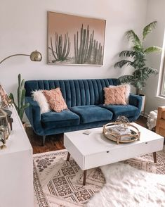 85 Modern Rustic Living Room Furniture Awesome 45 Cozy Modern Rustic Living Room Decor Ideas You Must Try Blue Couch Living Room, Tiny Living Rooms, Rustic Living Room Furniture, Home Living Room, Apartment Living, Living Room Designs, Dining Rooms, Tropical Living Rooms, Living Room Yellow Accents