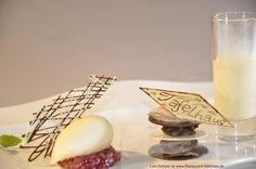 Sorbet von der Williamsbirne mit Schokoladen-Nougat Törtchen und lauwarmen Vanille Shake im Schürers Restaurant Tafelhaus in Backnang ( bei Stuttgart ) http://www.Restaurant-Tafelhaus.de