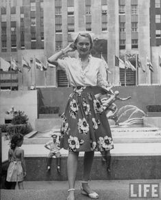 "If I ever learn to sew, I am making this skirt.  Photographed by Alfred Eisenstaedt for LIFE magazine, this series entitled ""Beautiful Girls in New York"" is a killer documentation of vintage NYC 1940s street style."