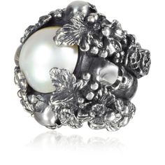 Ugo Cacciatori Sterling Silver and Light Pearl Foliage and Skulls Ring (€855) ❤ liked on Polyvore featuring jewelry, rings, sterling silver skull jewelry, pearl jewellery, skull jewelry, pirate jewelry and white pearl ring