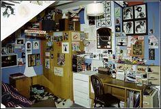 My room in a London flat 1986 Dream Rooms, Dream Bedroom, 1980s Bedroom, Grunge Bedroom, Loft Room, Basement Bedrooms, Room Goals, Room Ideas Bedroom, Aesthetic Room Decor