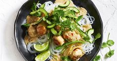 Green curry gets a twist with this chicken and meatball version!