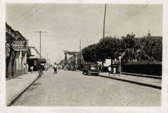 Praça da Matriz em Monte Alto/SP.  década de 1950.