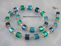 #608 Würfelkette blau petrol dunkelblaues Collier aus Polarisperlen