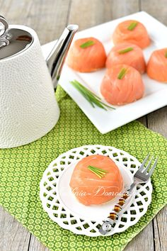 Salmon tartlet - recipe - Recipe for salmon tartlets. A great, cold starter made from smoked salmon, eggs and cream cheese. Seafood Menu, Seafood Appetizers, Seafood Dinner, Healthy Holiday Recipes, Healthiest Seafood, How To Cook Fish, Recipe For 4, Recipe Recipe, Smoked Salmon