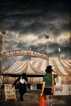 I love dark carnivals!